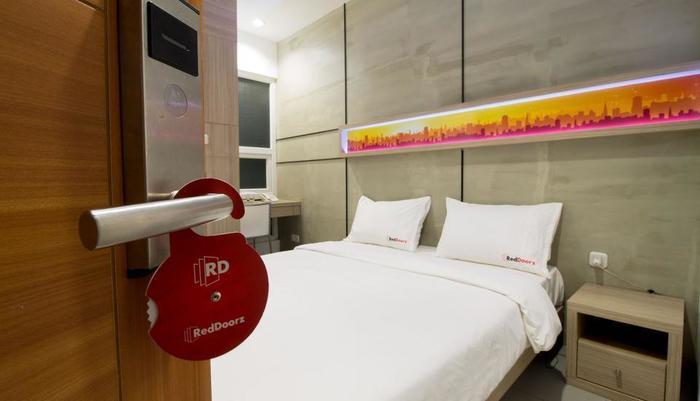 RedDoorz @Setiabudi Eight Jakarta - Kamar tamu