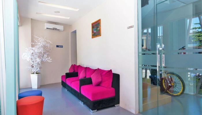 ZEN Rooms Mataram Airlangga Lombok - Lobi