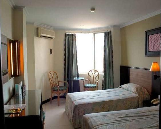 Losari Metro Hotel Makassar - Kamar Standar Twin