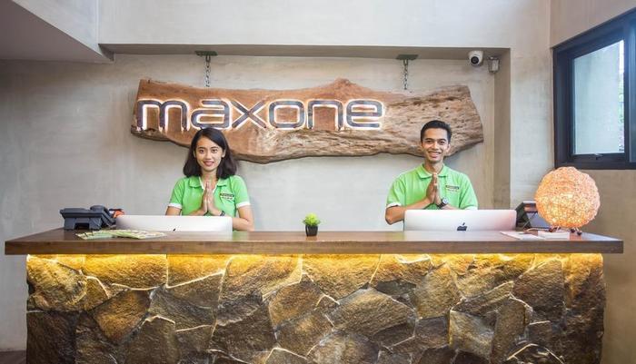 MaxOneHotels at Ubud Bali - reception