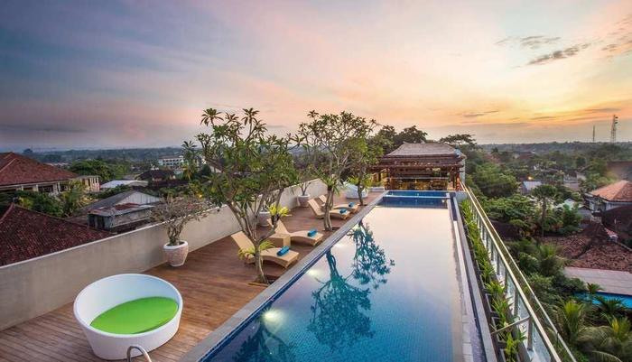 MaxOneHotels at Ubud Bali - Sky Max Pool