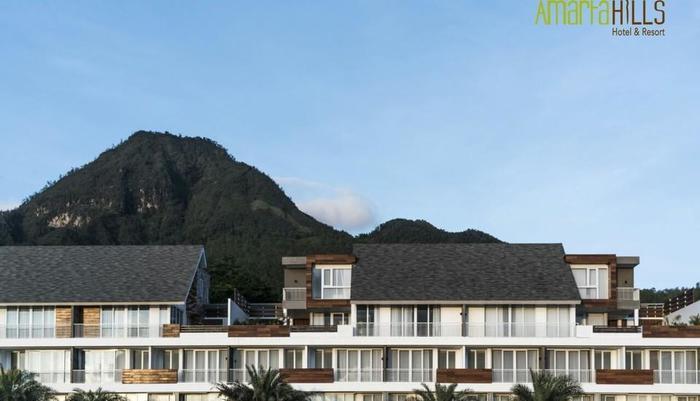 Amartahills Hotel and Resort Batu Malang - Gunung Panderman dilihat dari AmartaHills Hotel dan Resort