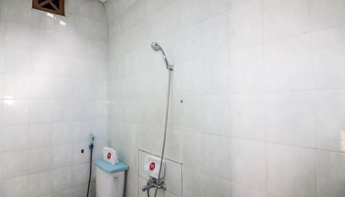 NIDA Rooms Kaliurang Sri Nindita - Kamar mandi
