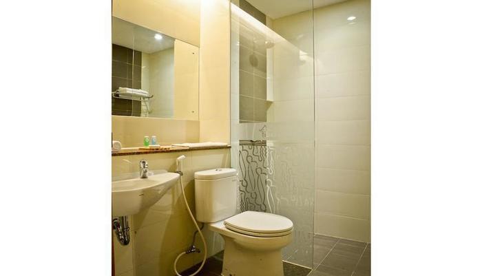 Tibera Hotel Taman Cibeunying Bandung - Kamar mandi