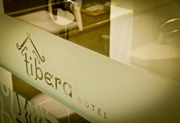 Tibera Hotel Taman Cibeunying Bandung - Tibera Hotel