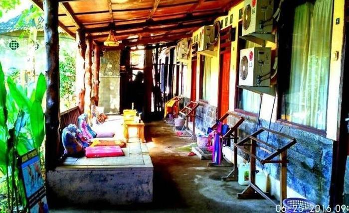 Dua Nina Homestay Lombok - Teras