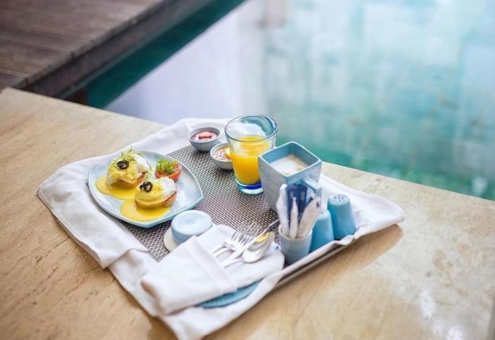 Golden Tulip Devins Hotel Seminyak - Makanan