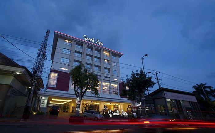 Hotel Grand Zuri Yogyakarta - Tampilan Luar
