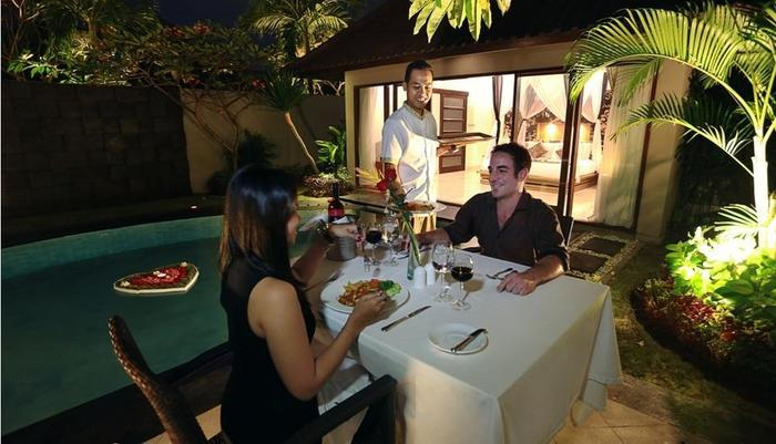 Kunti Villas Seminyak - Candle light dinner