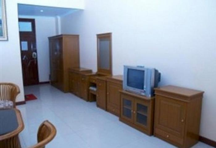 Hotel 3 Intan Cilacap - room