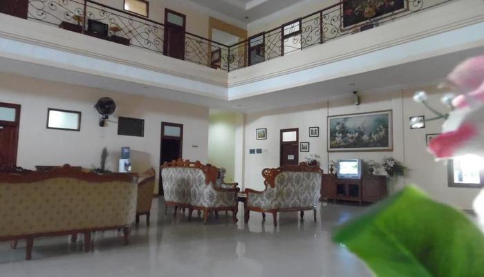 Hotel 3 Intan Cilacap - Ruangan Lobby Dalam