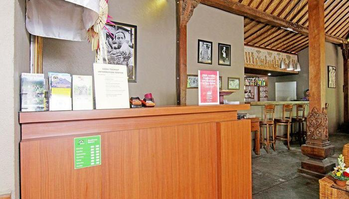 ZEN Premium Ubud Pengosekan 2 Bali - Resepsionis