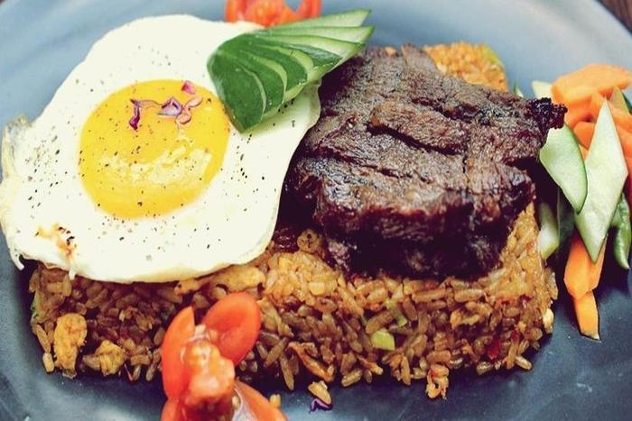 Sotis Hotel Jakarta - Food & Beverage