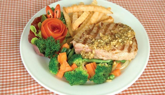 Puri Saron Hotel Gianyar Bali - meals