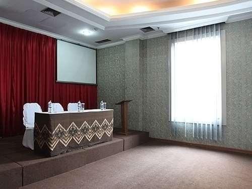 Hotel Banian Bulevar Jakarta - Ruang Rapat