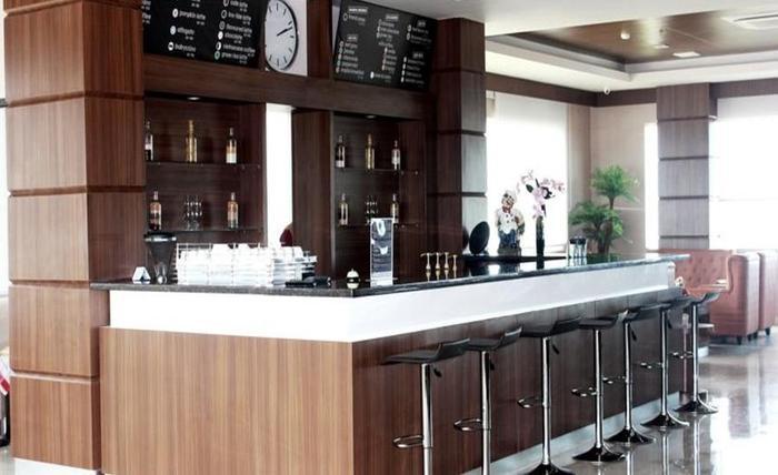 Demelia Hotel Makassar - Interior