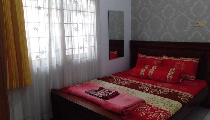 Villa Puri Garden Batu Malang - ruang tidur