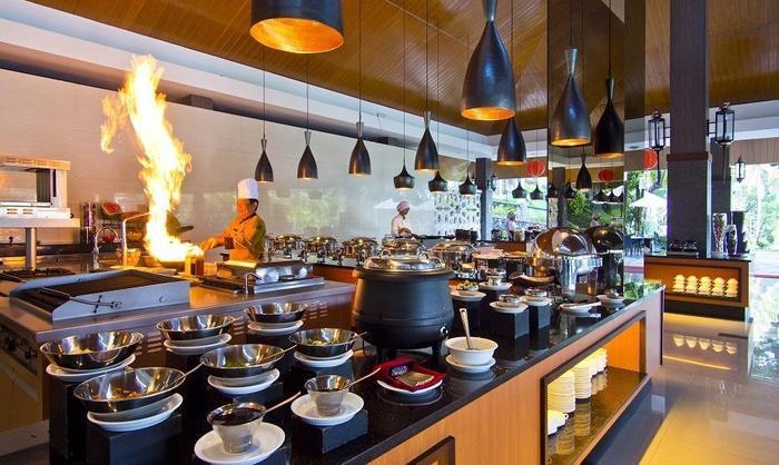 Hotel Puri Asri Magelang - PRINGGONDANI RESTAURANT
