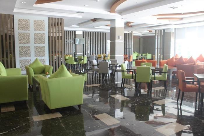 Dalton Hotel Makassar - Ruang makan