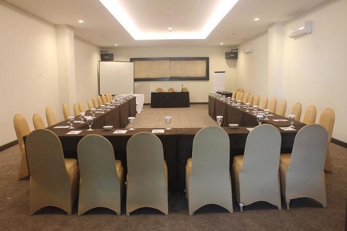 Dalton Hotel Makassar - Ruang Rapat