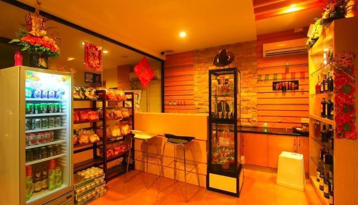 Lovina Inn Penuin Batam - Liquor Shop