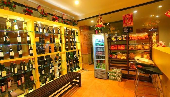 Lovina Inn Penuin Batam - Liquor Sho