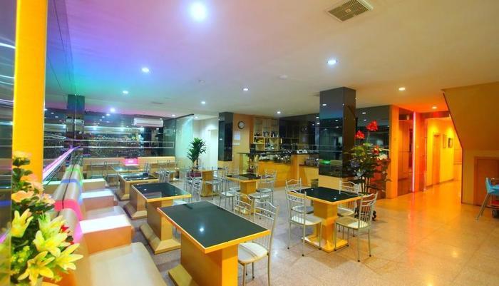 Lovina Inn Penuin Batam - Cafe