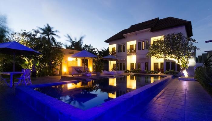 JM Hotel Kuta Lombok - Pool