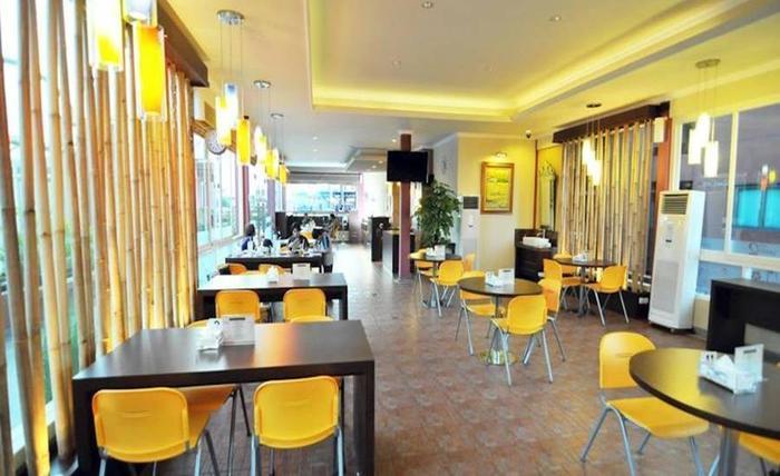 Apartemen Puncak Marina Surabaya - Ruang makan