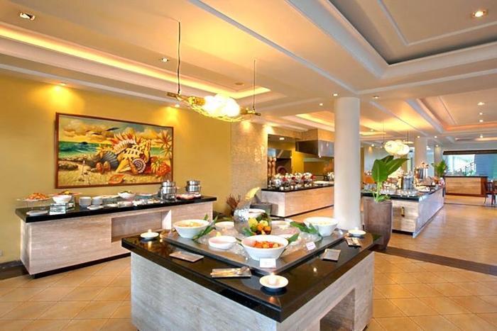 Radisson Bali Tanjung Benoa - Buffet Breakfast