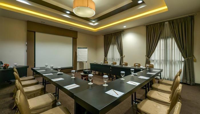 Sofyan Hotel Soepomo Tebet - Meeting Room