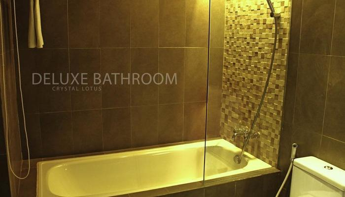 Crystal Lotus Hotel Yogyakarta - Deluxe Bathroom
