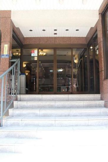 Ueno First City Hotel Tokyo - Hotel Entrance
