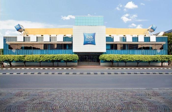 ibis budget Menteng Jakarta - Hotel Front