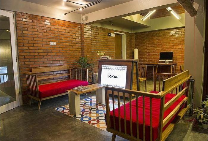 Lokal Hotel Yogyakarta - Lobby Sitting Area