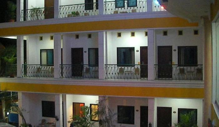 Hotel Kenari Kudus - Exterior