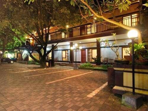 Yulia Beach Inn Bali -