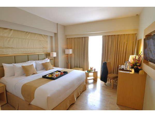 STAR Hotel Semarang - deluxe queen