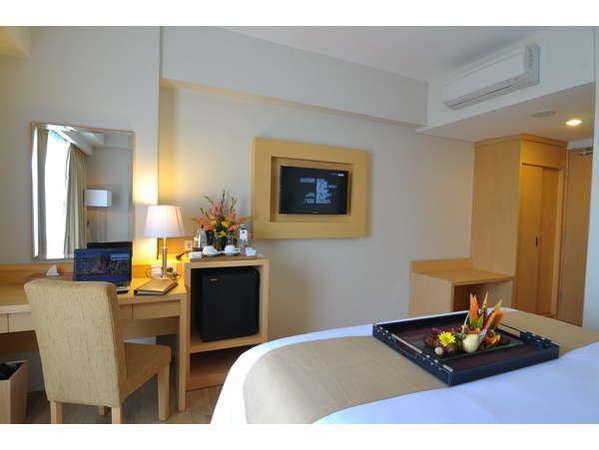STAR Hotel Semarang - deluxe fasilitas