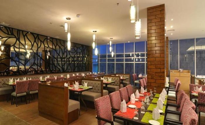STAR Hotel Semarang - Restoran