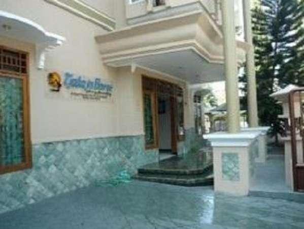Tjahaja Baroe Homestay Surabaya - a