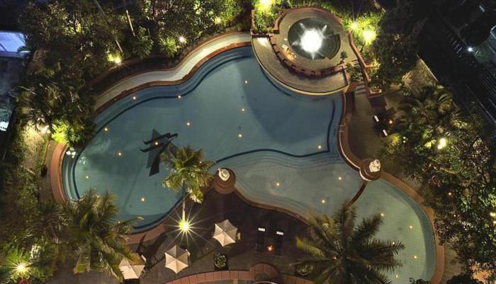 Hotel Grand Aquila Bandung - Kolam Renang