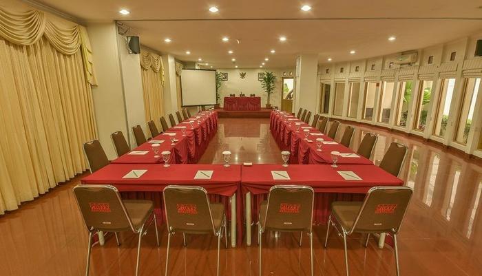 Cherry Homes  Bandung - Meeting Room