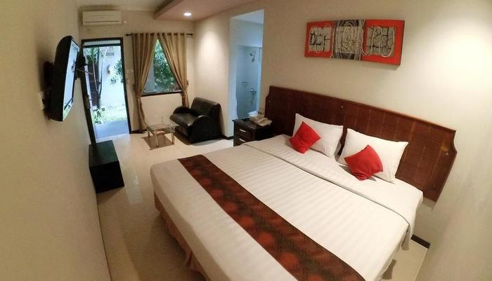 DFresh Guest House Malang - Suite Room