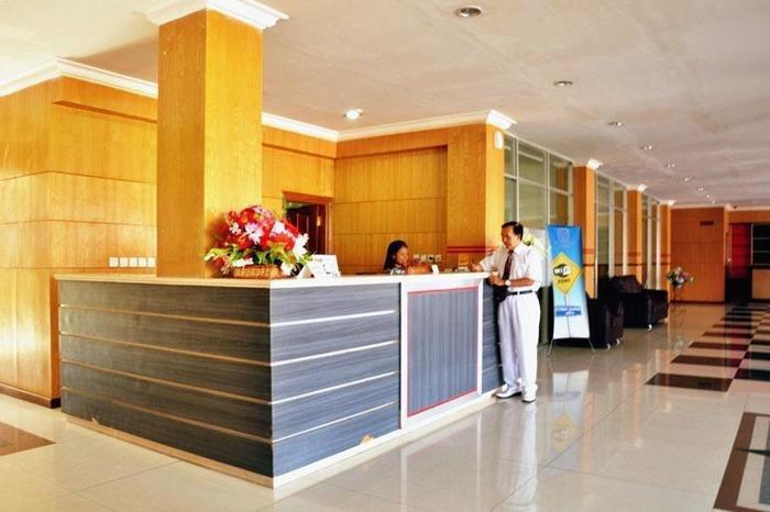 Sylvia Hotel Maumere - Lobi