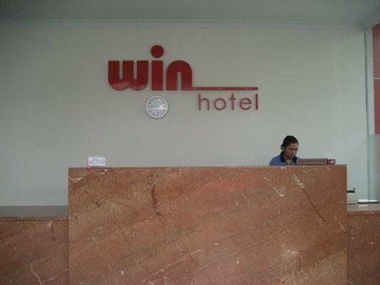 Win Hotel Panglima Polim - Receptionist