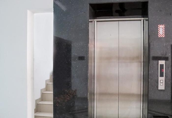 NIDA Rooms Cikudapateuh Station Antapani - Mengangkat