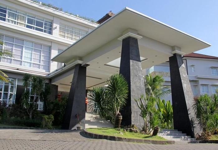 RedDoorz near Dreamland Beach Uluwatu Bali - Eksterior
