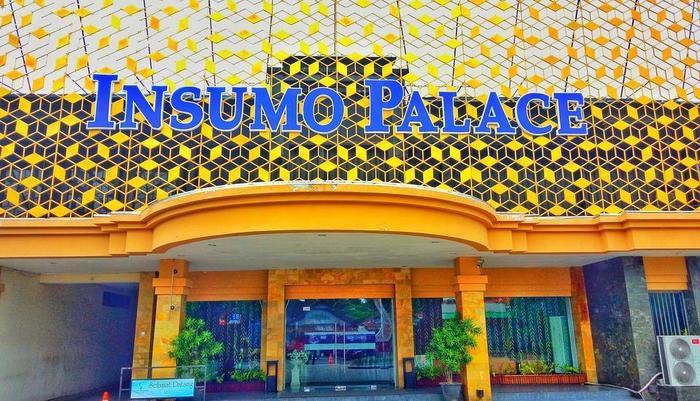 Insumo Palace Hotel & Resort Kediri - Facade
