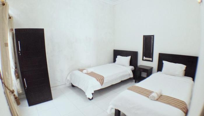 Dahlia Guest House Yogyakarta - Kamar tamu